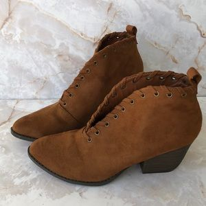 Coconuts Matisse brown Alabama ankle booties 7.5